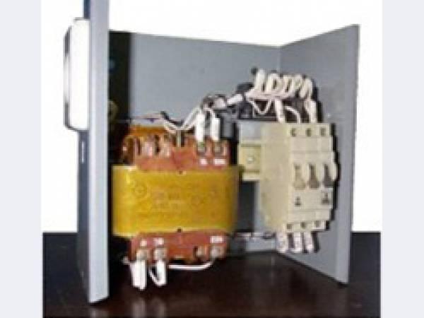 Ящик с понижающим трансформатором ятп-0,25 220/12-2 36 фото