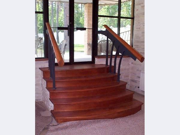 Мебельная фабрика «ВАНС»-мебель двери деревянные заказ Лестницы массив