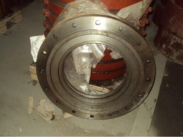 Крышка щеки 1049102001-10 - СМД 110а.