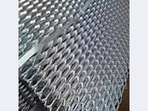 Сетка просечно-вытяжная ЦПВС светлая и оцинкованная