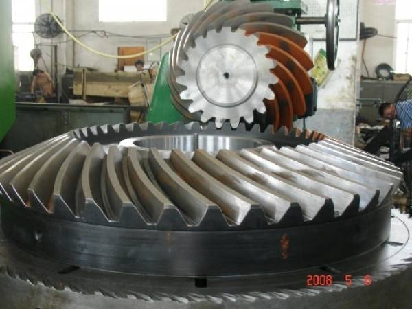 Производство шестерен, валов, валков, роликов,  зубчатых колёс.