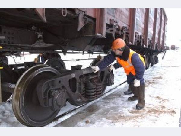 ДВОСТ железная дорога. Безотцепочный ремонт вагонов на станции.