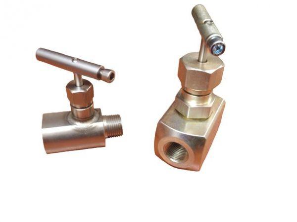 Клапан игольчатый 15H68бк Ц K(NPT)1/2H-M20x1,5H(аналог 15нж68нж)