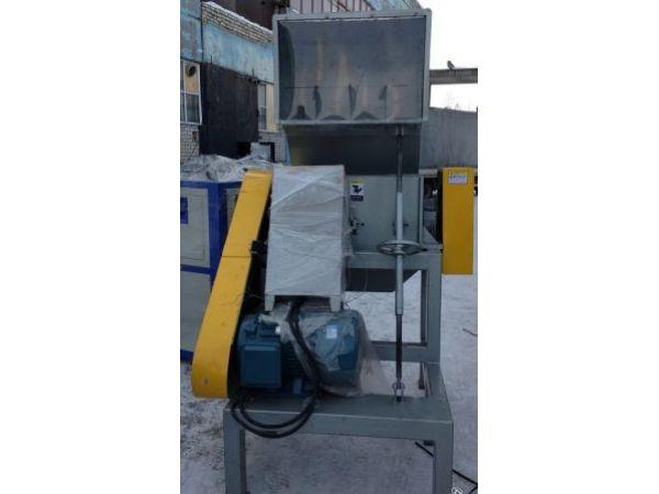 Продам дробилку для переработки пленки FS-800