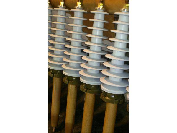 Вводы высоковольтные 35 кВ с полимерной, с фарфоровой изоляцией