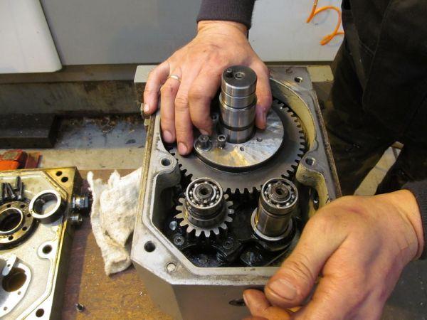 Ремонт редукторов ,механизмов пром. оборудования выточить изготовить