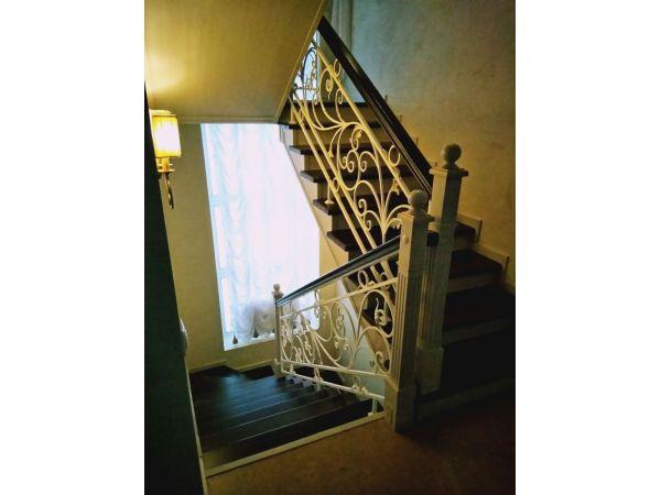 Деревянная лестница ДЛ4