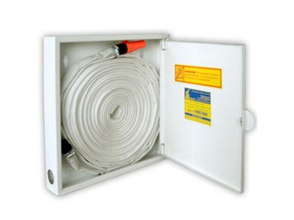 Квартирный пожарный кран бытовой (рукав и шкаф кпк) установка в домах