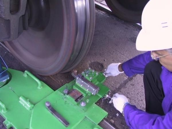 Передвижные станки для обточки колесных пар 1АК200