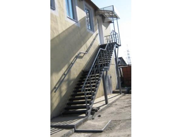 »зготовление, монтаж ћеталлические лестницы