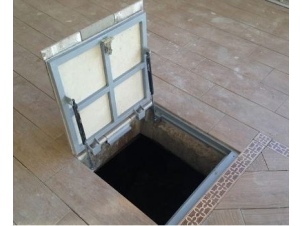Крышка-люк в подвал