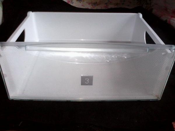 Продаю оригинальные полки для холодильника LIEBHERR (Либхер)