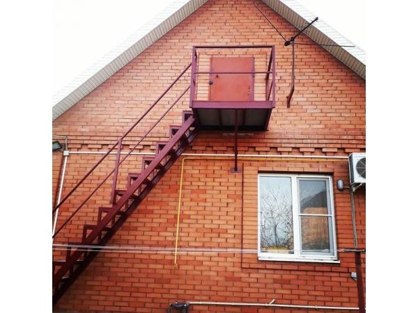 Металлические лестницы и площадки