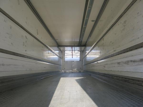 Фургон изотермический  Gray Adams, 2005