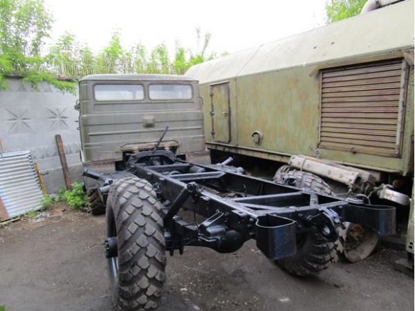 Грузовой автомобиль ГАЗ-66 шасси.
