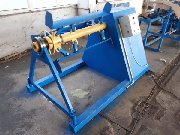 Консольный размотчик рулонного металла до 7 тонн