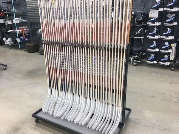 Стойка для хоккейных клюшек односторонняя на 35 шт