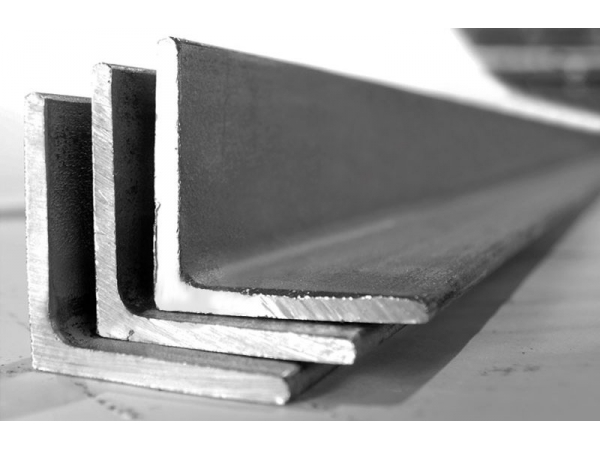 Уголок стальной от 39500 руб/т.