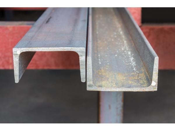 Швеллер стальной от 39500 руб/т.