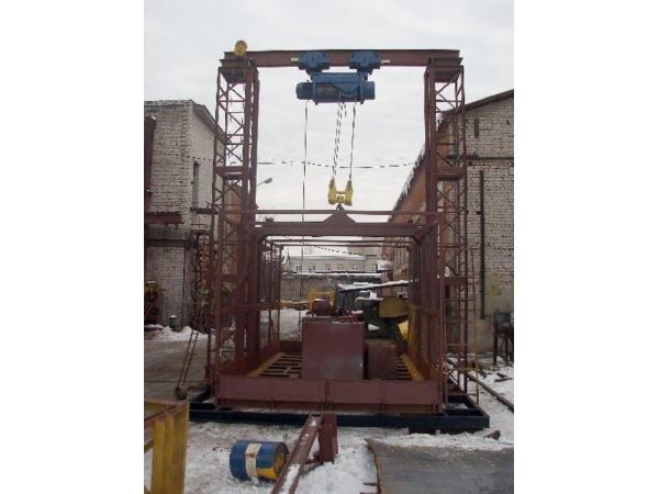 Двухмачтовый грузовой подъемник ПГД-1