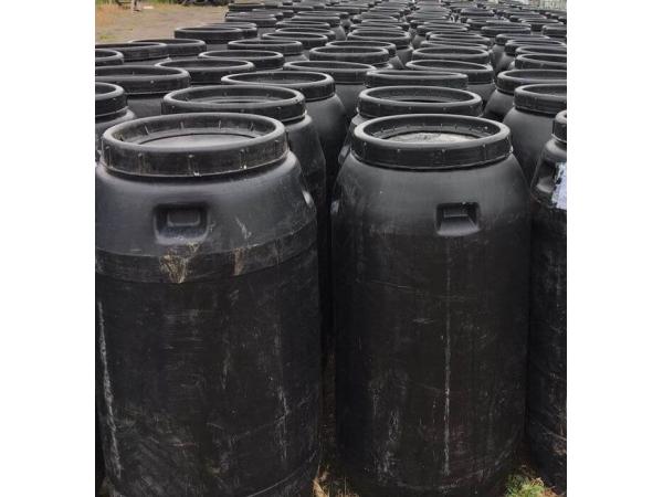 Бочка пластиковая пищевая , с крышкой б/у 260 литров