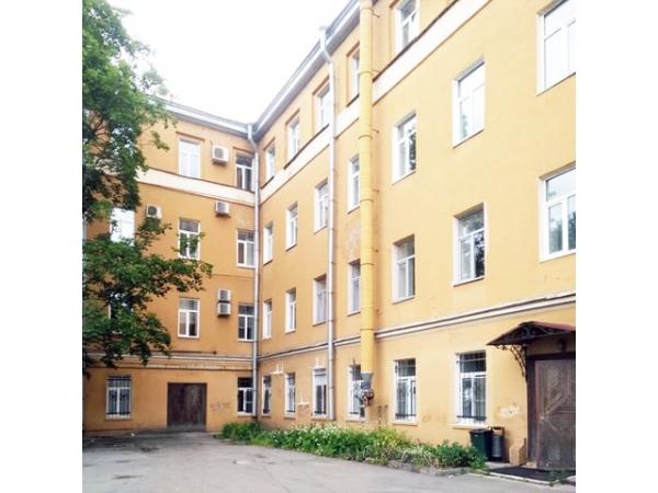 Отдельно стоящее здание 2270 кв.м на улице Калинина