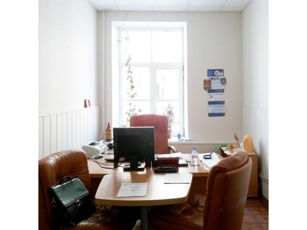 Помещение 92 кв.м под офис у Владимирской площади сдается в аренду