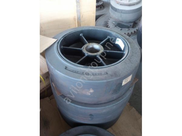 Колесо переднее для дорожной фрезы XCMG XM101
