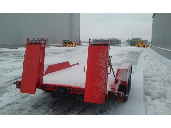 Автомобильный прицеп 9855-20 для перевозки спец техники до 4х тонн
