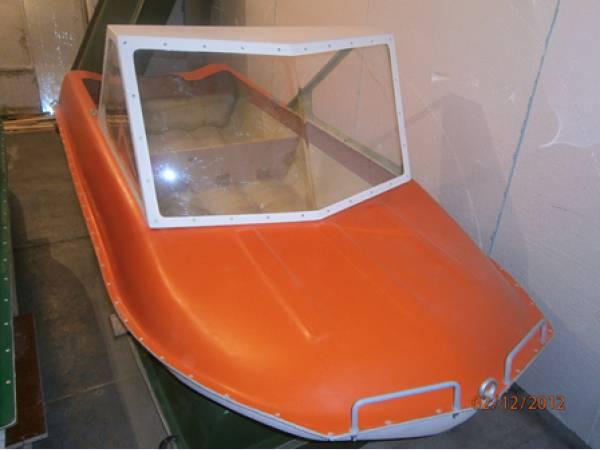 как поставить стекло от машины на лодку