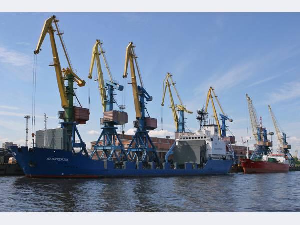 ЧерМК в навигацию 2012 года увеличит объем перевозок продукции водным транспортом
