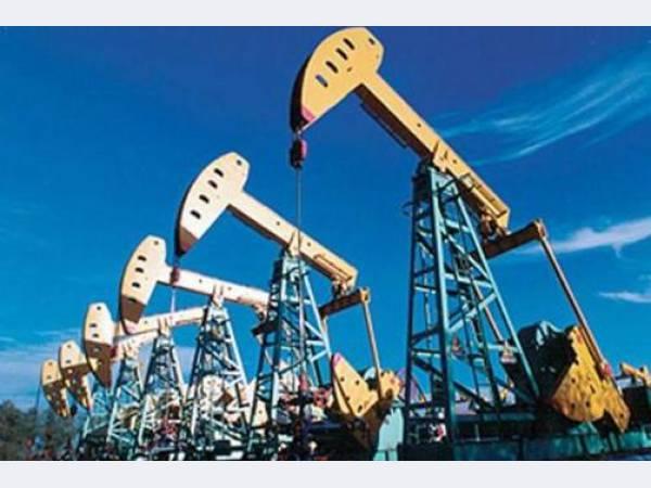 Экспорт нефти из России в январе-июле снизился на 1,6%, газа - вырос на 1,9%
