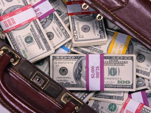 «Северстали» предложили хранить деньги в России под большие проценты