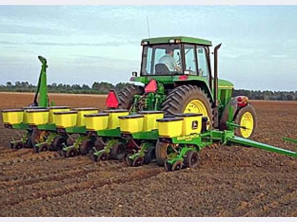 На техническую модернизацию сельского хозяйства в 2015 году будет направлено 1,9 млрд. рублей