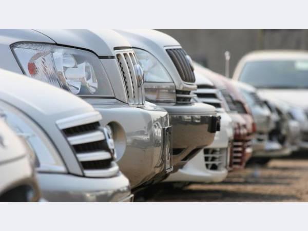 Стоимость автомобилей в России продолжает снижаться