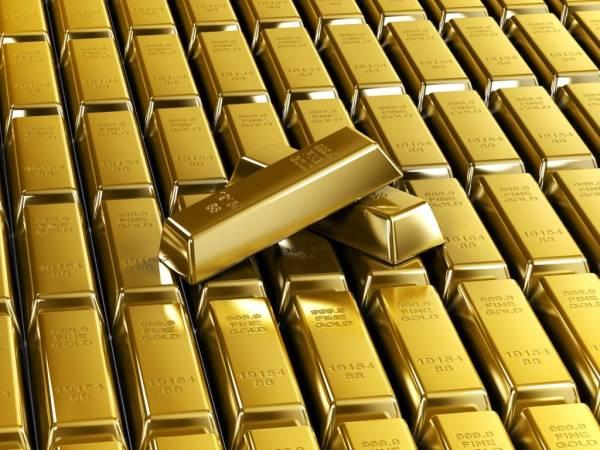 Стоимость золота опустилась до пятилетнего минимума
