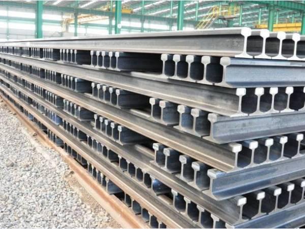 Евраз планирует поставить РЖД около 200 тыс.т стометровых рельсов