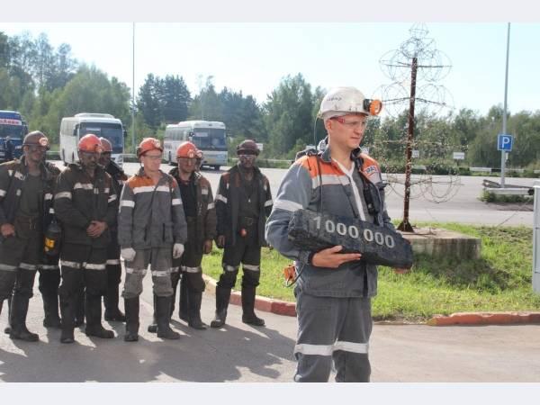 Бригада шахты ЕВРАЗа Ерунаковская-VIII добыла миллионную тонну угля