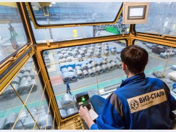 ВИЗ-Сталь продолжает обновлять парк кранового оборудования