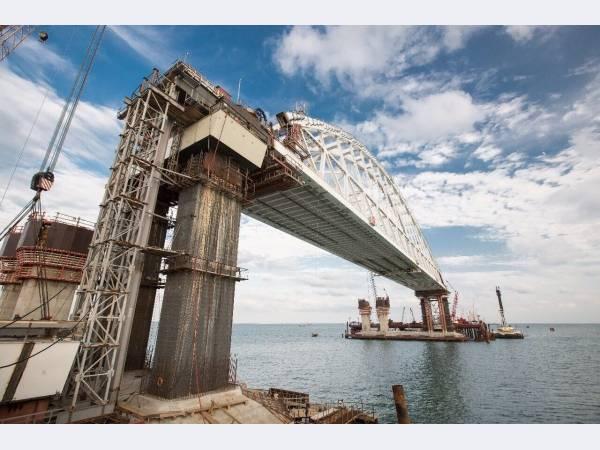 Завершено сооружение всех пролетов автодорожной части Керченского моста
