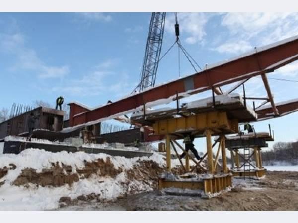 В Ярославле приступили к сборке металлоконструкции моста через р. Которосль