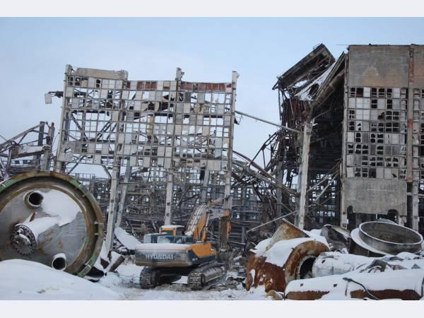 СУМЗ завершает обрушение здания главного корпуса ЦДС